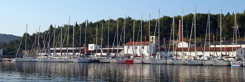 Yachtcharter in Kroatien - Yacht Club Milna
