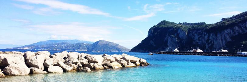 Navigando lungo la Costiera Amalfitana