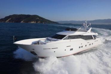 Yacht à moteur Tecnomar 100