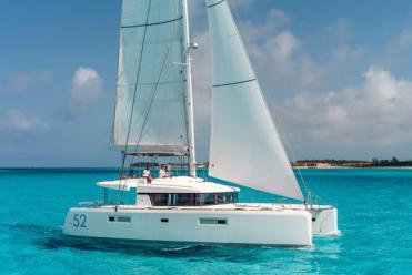 Catamaran Lagoon 52 (4 cab)