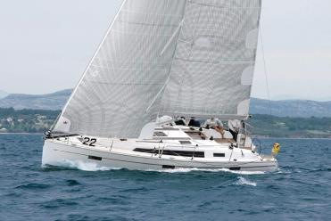 Sailboat Bavaria Cruiser 41 S