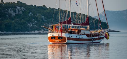 Crewed Yacht Charter