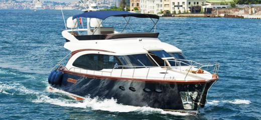Yachts a motore