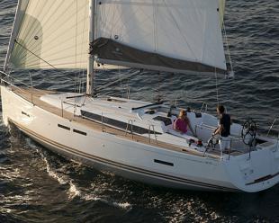 Sailboat Sun Odyssey 409